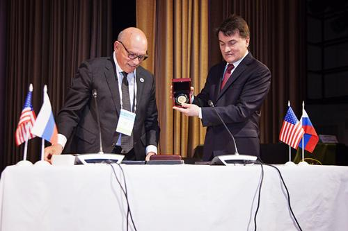 The first agreement of collaboration between the Russian Psychological Society and the American Psychological Association is signed